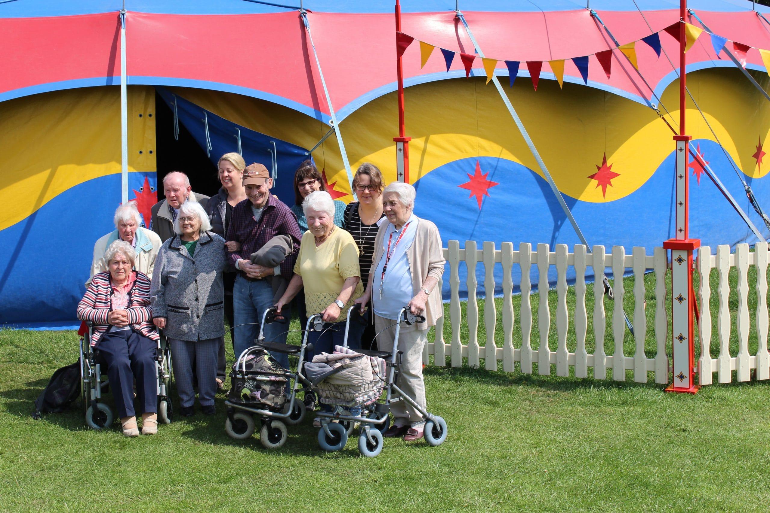 Senioren schnuppern Zirkusluft